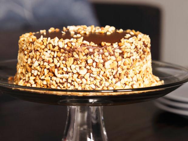 Rezept Fur Snickers Torte Kitchengirls