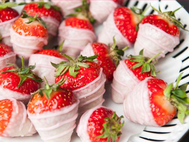 Erdbeeren In Schokomantel