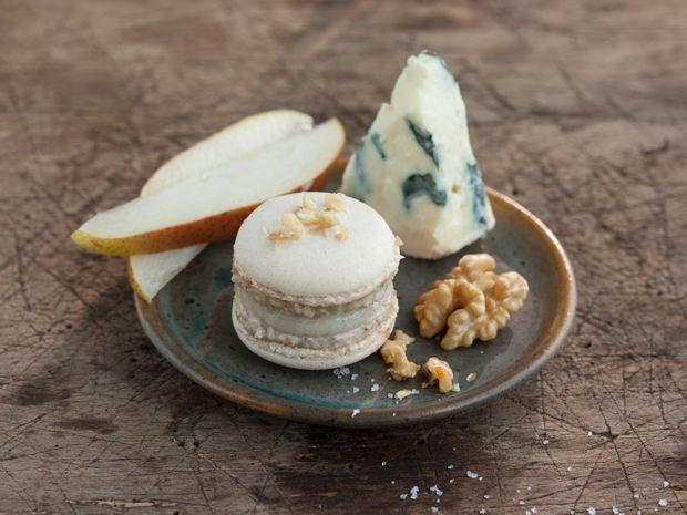 Herzhaftes Weihnachtsgebäck.Pikante Macarons Mit Birnen Käse Füllung